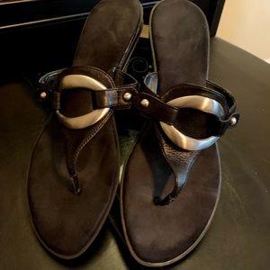 Nine West Black Leather Size 9.5 Sandal